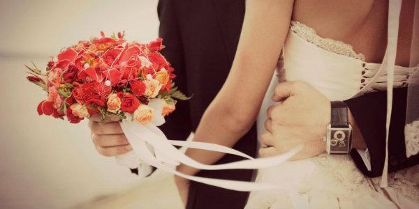 Что оригинального подарить на венчание молодым