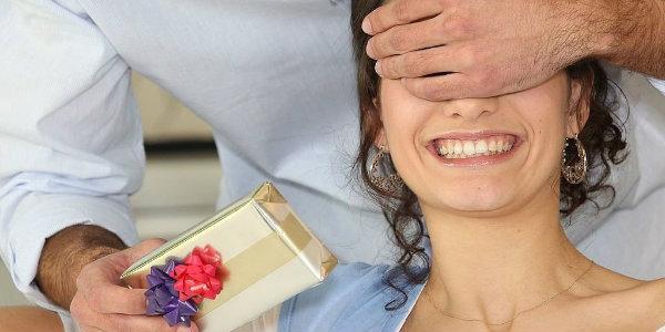 кто не знает, что подарить любимой жене на ее день рожденья
