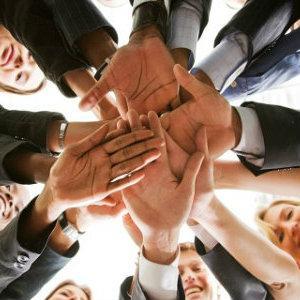 Organizovyvaem kollektiv pri pomoshhi treningov po timbildingu
