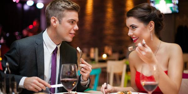 Вносим романтику в отношения - ужин с любимым в ресторане