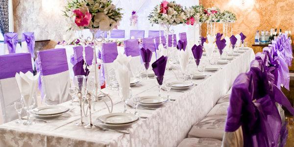 нужно знать молодоженам при оформлении свадебной вечеринки  в  фиолетовых тонах