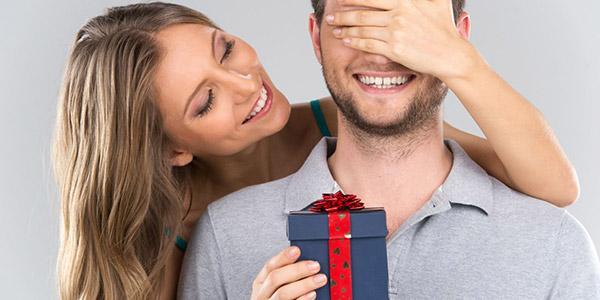 Что подарить парню с которым только начались отношения