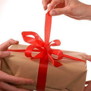 Что подарить на Новый год любимой девушке: лучшие идеи подарков и ценные советы по их выбору