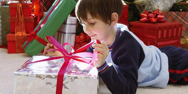 Выбираем подарок мальчику на 9 лет на День рождения: перечень лучших презентов и ценные рекомендации