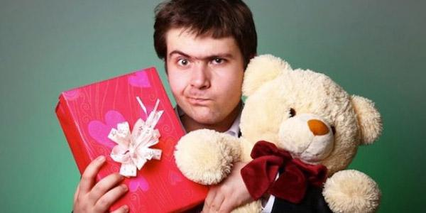 Интересные идеи подарков мужчине на 30 лет: что можно подарить для быта, хобби, романтики и веселого настроения