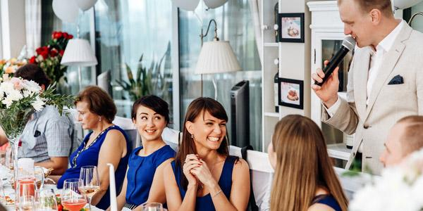 Составляем веселый сценарий корпоратива на 8 Марта: идеальные решения для развлекательной программы