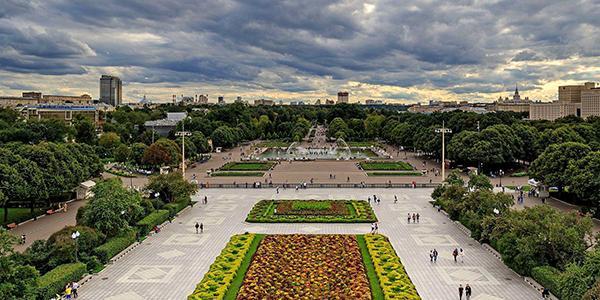Как организовать романтическое свидание в Москве: идеи, советы и маршруты для ярких эмоций