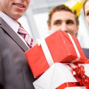 Создайте эффектный подарок на день рождения вашему  начальнику-мужчине
