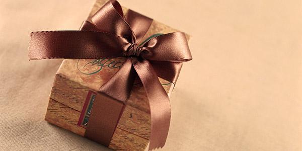 Как оригинально преподнести подарок на День рождения: идеи