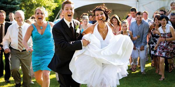 Изображение - Оригинальные подарки на свадьбу поздравления Prikolnye-i-shutochnye-podarki-k-svadbe17