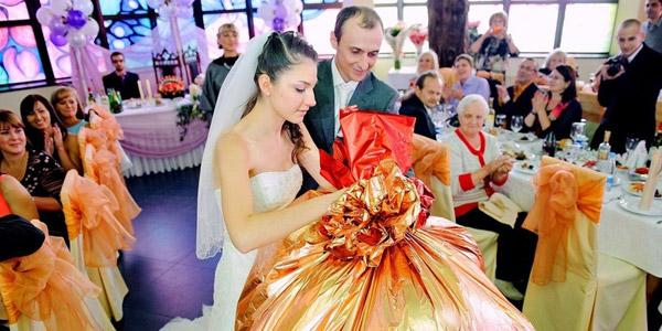 Изображение - Оригинальные подарки на свадьбу поздравления sposoby-vrucheniya-podarkov-na-svadbe4